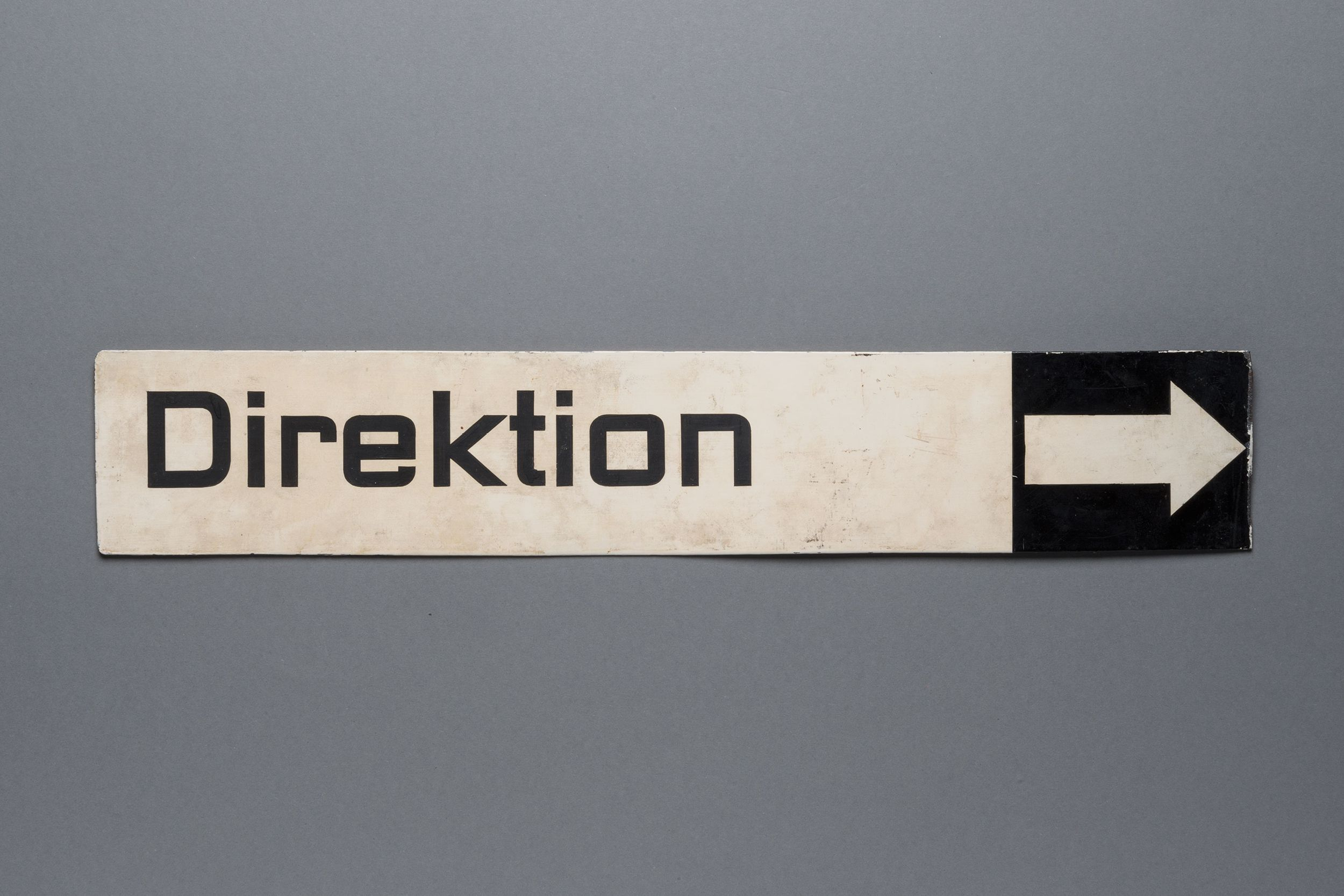 Enamel board with the original type face for the Museum für Gestaltung created by Ernst Keller